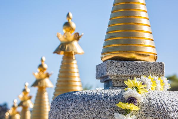 8 Stupas at Karma Berchen Ling